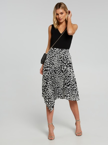 Going Wild Pleated Skirt